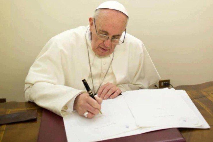 Ferenc pápa az irgalmasság rendkívüli szentévét lezáró levele